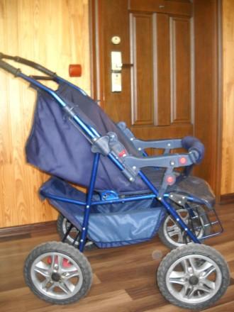 Детская коляска трансформер в отличном состоянии.. Сумы, Сумская область. фото 5