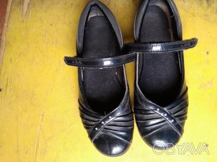 Продам туфли для девочки. Изюм, Харьковская область. фото 1