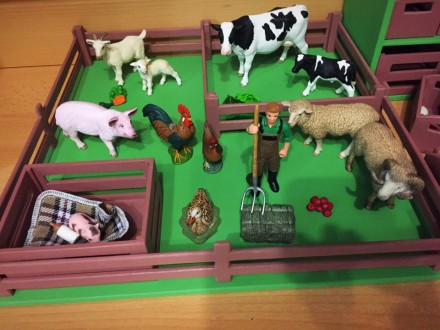 Деревянные игрушки (бизиборды, мебель для кукол). Луганск. фото 1