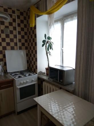 Здається 2-кім.квартира вул. Проспект Миру, 2/5ц. 46м.кв. є 6-спальних місць, по. Ровно, Ровненская область. фото 12