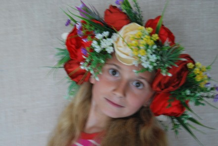 Венок карнавальный с цветами. Ручная работа.. Славутич. фото 1