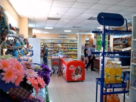 Видный торгово-развлекательный мини-комплекс у края Одессы. Одесса. фото 1