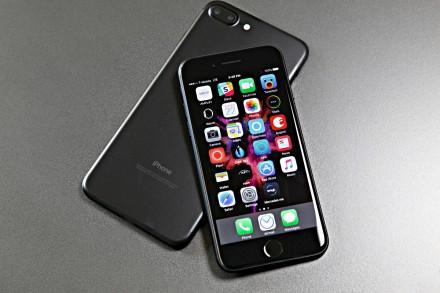 IPhone 7 Plus экр. 5.5дюй.1сим.6гб.6мп.. Одесса. фото 1