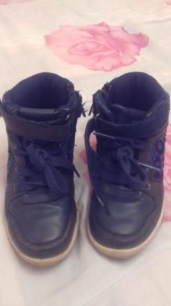 Продам кросовки для девочки. Мелитополь. фото 1