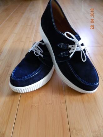 Продам нові туфли нат. замш на шнурках. Ровно. фото 1