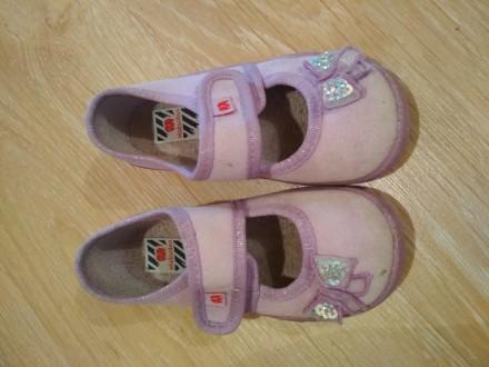 Летняя обувь для девочки. Очень удобные в носке, легкие. Состояние хорошее. Цена. Черновцы, Винницкая область. фото 3