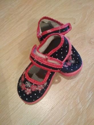 Летняя обувь для девочки. Очень удобные в носке, легкие. Состояние хорошее. Цена. Черновцы, Винницкая область. фото 4