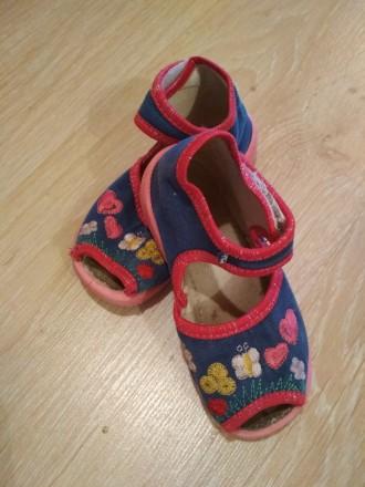 Летняя обувь для девочки. Очень удобные в носке, легкие. Состояние хорошее. Цена. Черновцы, Винницкая область. фото 5