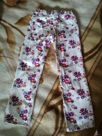 Летние джинсы. Лёгкие, яркие, красивые. На бирке рост 116 см. Состояние отличное. Черновцы, Винницкая область. фото 3