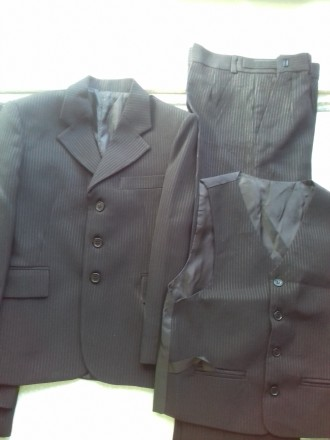Школьный костюм (брюки, пиджак, жилет). Запорожье. фото 1