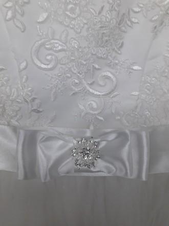 Очень красивое нарядное платье для вашей красавици. Есть в белом и айвори цветах. Черновцы, Черновицкая область. фото 5