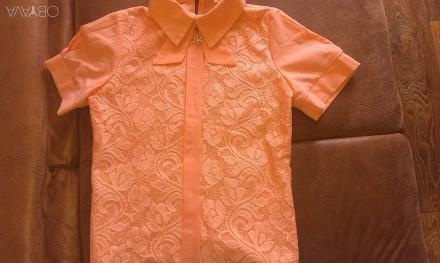 продам красивую блузку для школьницы. Вугледар. фото 1