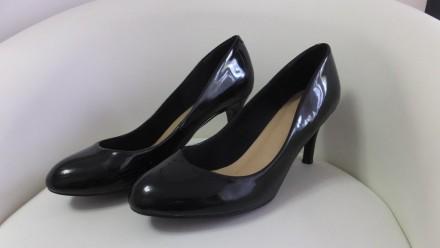 классические черные лаковые туфли лодочки 37 m&s marks & spencer. Сокиряны. фото 1