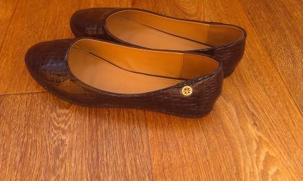 продам лакированные туфли. Угледар. фото 1