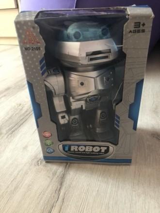 Игрушка робот с музыкой. Миргород. фото 1