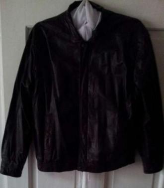 Мужская куртка из натуральной кожи темно-коричневого цвета, размер 50. Ужгород. фото 1