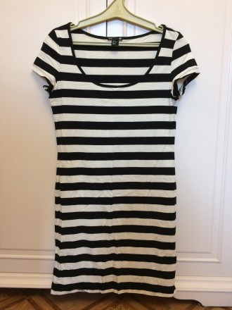1b4b5a1b3de Платье футболка в черно-белую полоску. H M. 200 ГРН. Киев