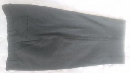 Брюки школьные классика новые т.серые M&S рост 164 см +рубашка подарок. Вышгород. фото 1
