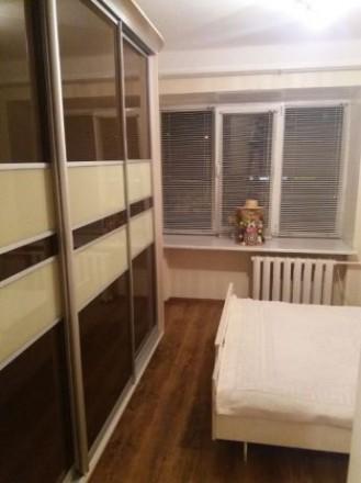 2 х комнатная квартира проспект Соборный квартира с ремонтом. Вид с балкона на п. Александровский, Запорожье, Запорожская область. фото 4