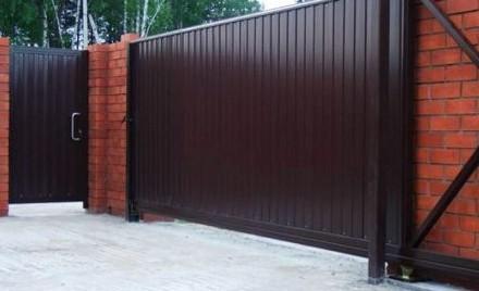 Откатные кованые ворота цена от 10 000.00 грн Цена калитки от 2 500.00 грн . Киев, Киевская область. фото 3