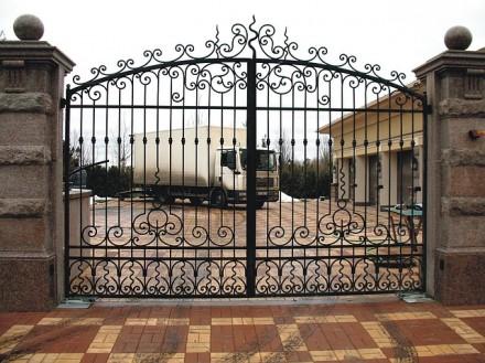 Откатные кованые ворота цена от 10 000.00 грн Цена калитки от 2 500.00 грн . Киев, Киевская область. фото 2
