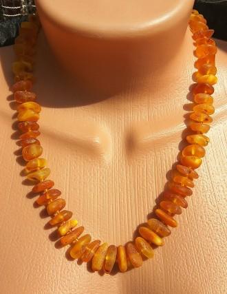 Красивое янтарное ожерелье, бусы из натурального янтаря. Ровно. фото 1