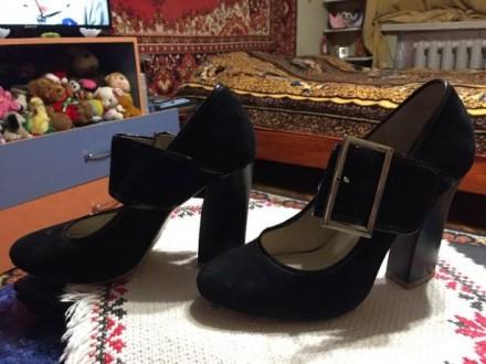 Туфли натуральные, замшевые!!! Обойдённые. Одевала один раз! Маломерки 36 разм. Николаев, Николаевская область. фото 2