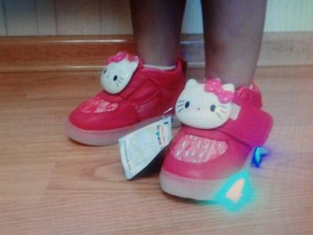 Светящиеся кроссовки Hello Kitty ТМ Шалунишка (Shalunishka). Лубны. фото 1
