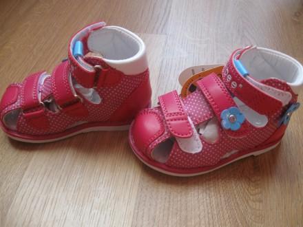 Кросівки, пінетки, босоніжки б/у гарний стан для дівчинки. Лубны. фото 1