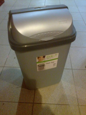 Емкость для мусора в помещение. Мариуполь. фото 1