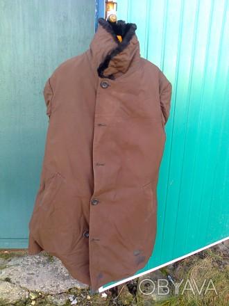 Кожух с плащевой ткани, новый, очень теплый, на нижнем лацкане небольшое пятнышк. Бахмут (Артемовск), Донецкая область. фото 1