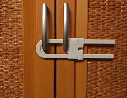 Блокиратор для створчатой (распашной) двери с ручками, защита детская.. Херсон. фото 1