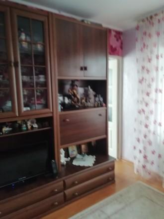 Хороша 2-кімнатна квартира перепланована на 3 кімнати.Район Відродження, біля Та. Видродження, Луцк, Волынская область. фото 4