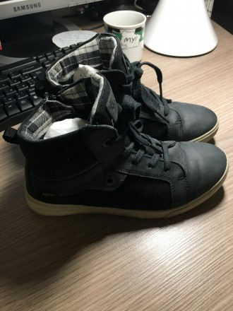 Продам детские демисезонные ботинки Ecco р. 32 на мальчика. Дніпро. фото 1