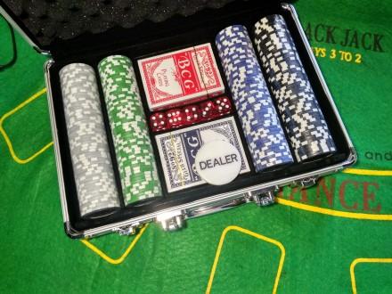 Набор для игры в покер 200 фишек с номиналом в кейсе новый покерный набор. Киев. фото 1