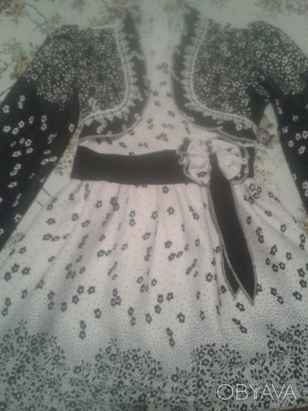 Нарядное платье, одевали пару раз на утренник, быстро выросли.В отличном состоян. Одесса, Одесская область. фото 1