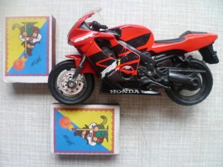 Продаю  модель мотоцикла - HONDA. Высота 7 см., а Длина 12 см.. Куплен в магазин. Львів, Львівська область. фото 11
