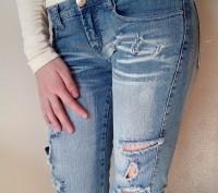 Новые джинсовые капри/бриджи на девочку 12-15 лет. Размер 27. Ткань 95% хлопок. . Одесса, Одесская область. фото 2