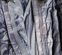 Тёплое нейлоновое пальтишко на синтепоне, простеганое, внутри рукава манжеты на . Харьков, Харьковская область. фото 7