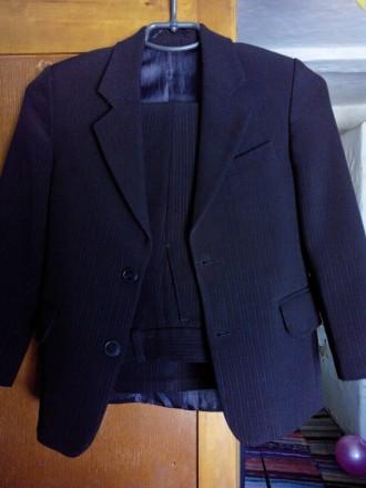 Школьная форма на 6-7 лет, размер 28, рост 122 см., цвет чёрный в мелкую полоску. Конотоп, Сумская область. фото 3