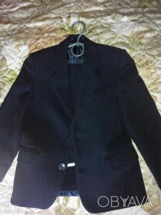 Школьная форма на 6-7 лет, размер 28, рост 122 см., цвет чёрный в мелкую полоску. Конотоп, Сумская область. фото 1