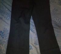 Штанишки серого цвета в хорошем состоянии впереди и сзади карманы примерно 42 ра. Днепр, Днепропетровская область. фото 2