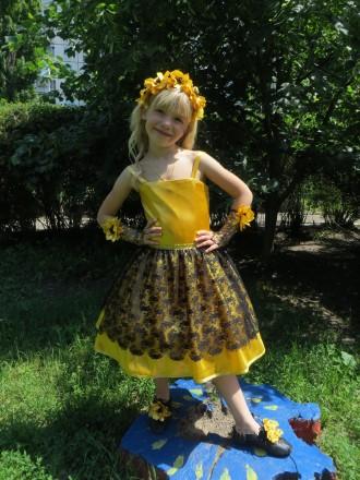Платье желтое, золотое, нарядное, праздничное на возраст 4-7 лет.. Харьков. фото 1