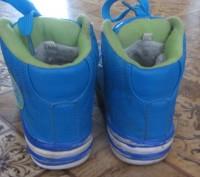 Очень стильные зимние кроссовки. Стелька 17 см.  Толстая, но при этом легенька. Борисполь, Киевская область. фото 4