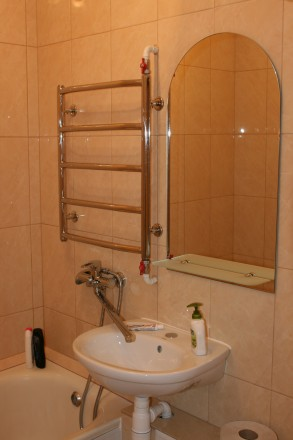 Квартира находится в тихом зеленом райне (ГОРСАД).Имеются ДВА 2-х СПАЛЬНЫХ МЕСТА. Горсад, Чернигов, Черниговская область. фото 4