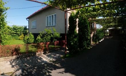 Терміново продам чи обміняю будинок на квартиру у Виноградові, Ужгороді, Хусті. Виноградов. фото 1